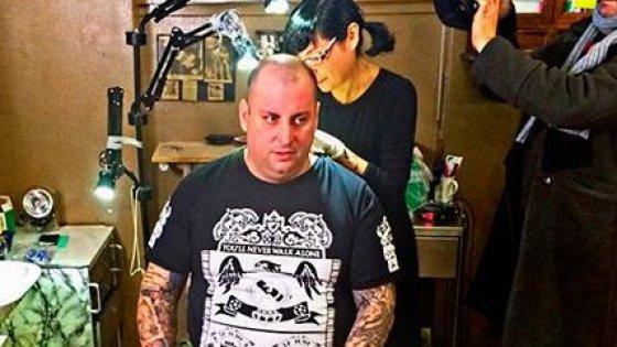 """Il 'rapper pentito' testimonial contro la vita sregolata: """"In forma con Emi lo zio"""" conquista Youtube"""