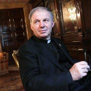 Cremona, il processo per pedofilia contro don Mercedes: le vittime vogliono i danni