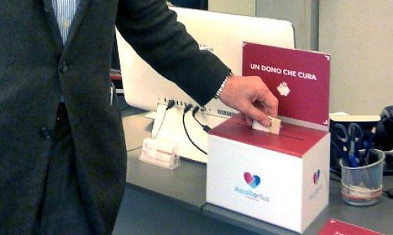 Milano, dopo il caffè la visita medica 'sospesa': con 10 euro dentista gratis per chi è bisognoso