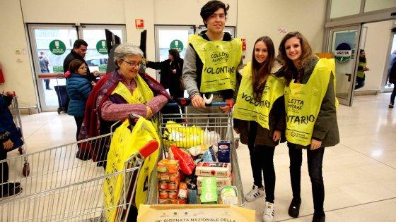 Milano capitale del volontariato: in 142mila si danno da fare. In dieci anni più 20 per cento