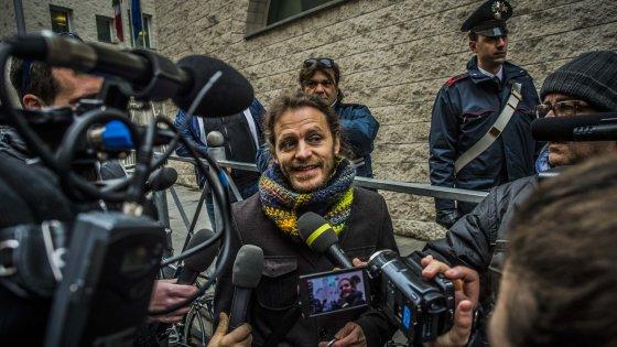 """Bergamo, prof licenziato per pipì: presto la sentenza. """"Sopravvissuto grazie ai miei studenti"""""""