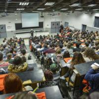 Milano, genitori invadenti all'università dei figli: l'allarme del rettore