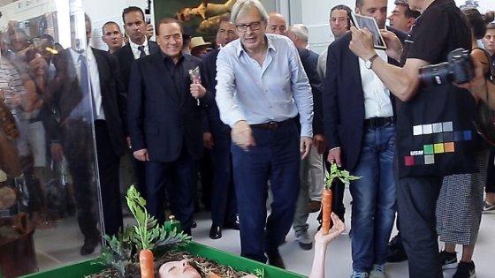 """Sgarbi sotto processo per oltraggio. Disse a un carabiniere di Expo: """"Fascista"""""""
