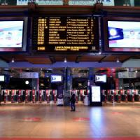 Milano, il venerdì nero dei trasporti: scioperano i mezzi pubblici, traffico molto sostenuto