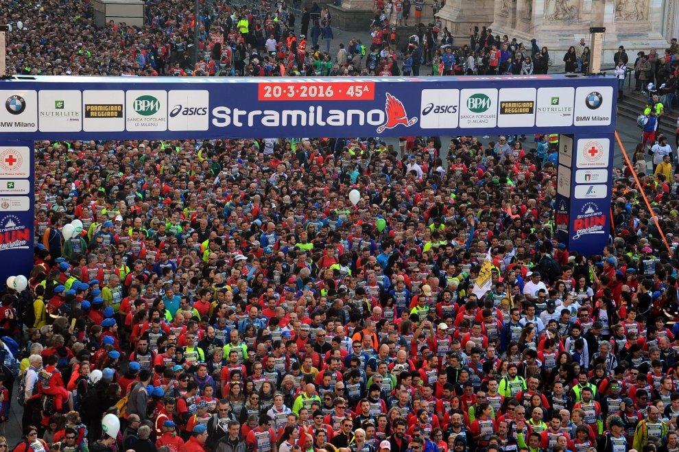La Stramilano fa il pieno: la carica dei 63mila runner