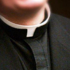 """""""Abusata dal prete dell'oratorio"""", l'accusa di una suora con l'ok del Vaticano"""