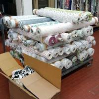 Como, ruba rotoli di stoffe per 5 milioni di euro: arrestato dipendente di un'azienda tessile