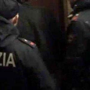 """Milano, la denuncia della comunità araba: """"Blitz di finti poliziotti dell'antiterrorismo nelle case, raffica di rapine"""""""