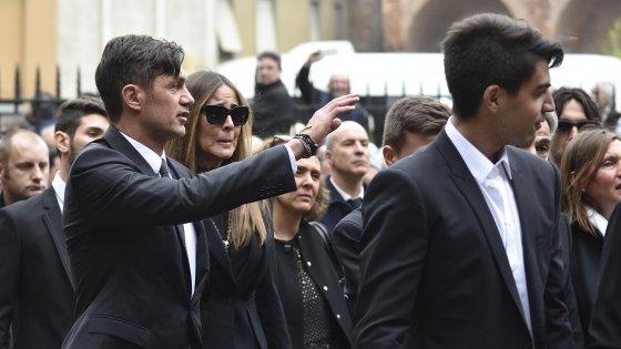 """Addio Maldini, Milan al completo in Sant'Ambrogio. La lettera dei figli: """"Con te un viaggio meraviglioso"""""""