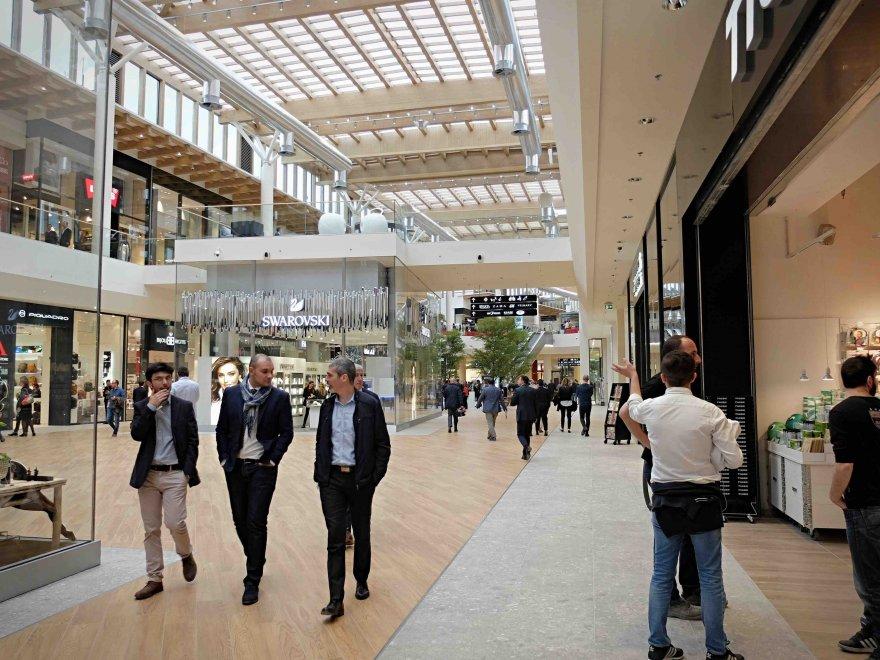 arese il centro commerciale pi grande d 39 italia