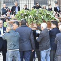 Milano, funerale Casaleggio: chiesa blindata, ammessi solo amici e parenti