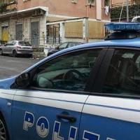 Monza, barista morsicato dal cane di un passante mentre sgrida due ragazzi