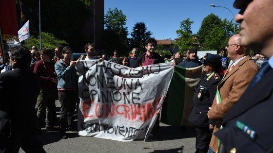 25 Aprile, il sindaco di Corsico vieta 'Bella Ciao': e al corteo la cantano in centinaia