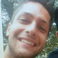 Milano, 22enne morto sotto il treno in metrò: veniva dalla festa per l'assunzione