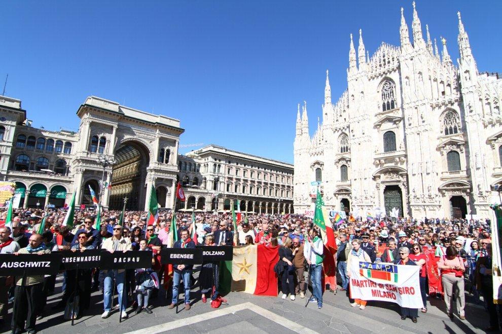 25 Aprile, Milano in piazza per la Liberazione: il corteo