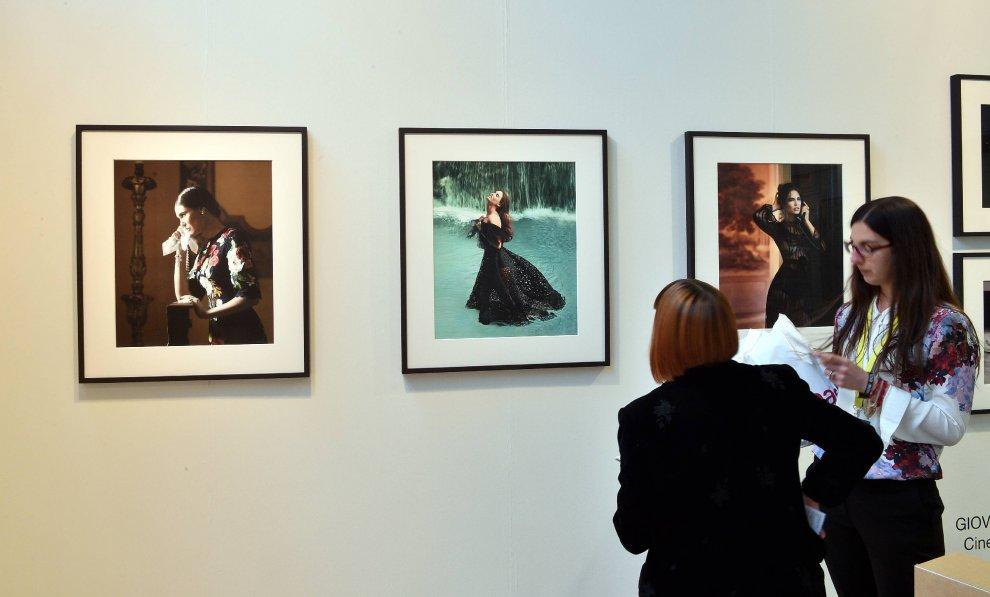 Scatti dal mondo a Milano: 230 artisti alla grande fiera della fotografia
