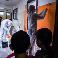Milano, la giornata del volontariato nella multinazionale: dipendenti pagati per aiutare