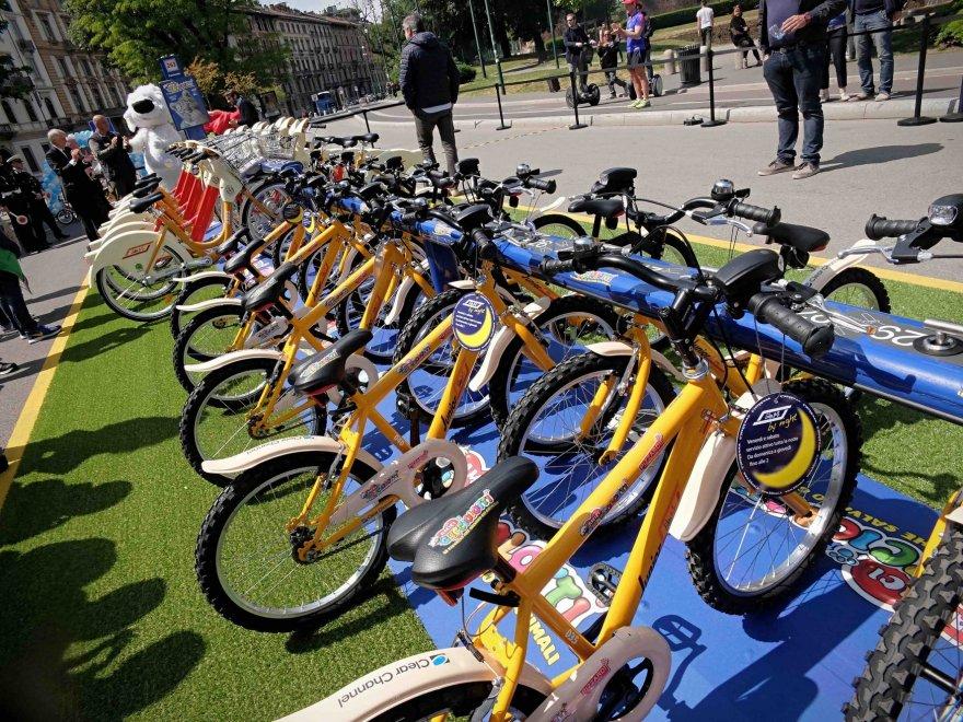Baby bike sharing a milano le bici a noleggio dei piccoli for Mobile milano bike sharing