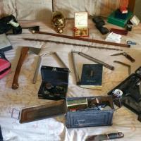 Pistole modificate, asce e spade: aveva un arsenale in casa a Lissone. Arrestato 53enne