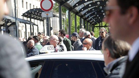 Uber: nuova protesta dei tassisti a Milano