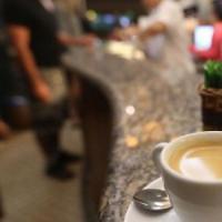 Milano, al bar cappuccino e cocaina: conto unico alla cassa, tre arresti