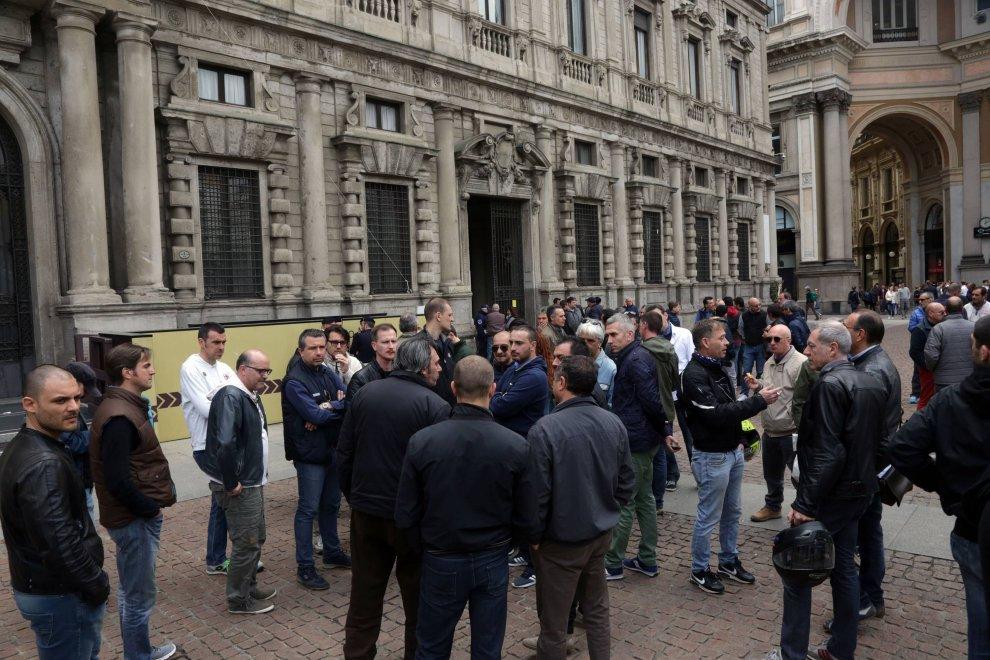 Milano protesta anti uber i tassisti sotto le finestre - B b le finestre sul centro jesi an ...