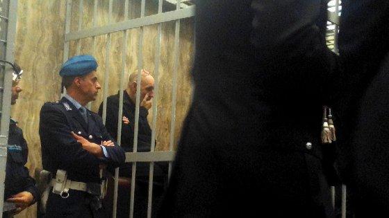 """Milano, ex direttore Asl di Pavia a processo: """"Appalto truccato per favorire la 'ndrangheta"""""""