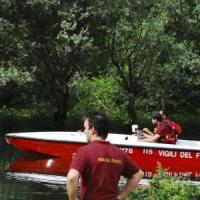Pavia, il cadavere di un uomo riaffiora dal naviglio