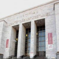 Milano, detenuto 28enne tenta di impiccarsi in Tribunale. È salvo