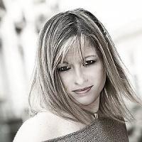 Simona Lo Iacono, la magistrata scrittrice che resuscita le streghe e si candida allo Strega