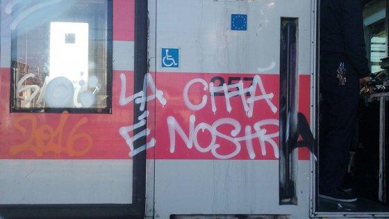 Milano, trecento bombolette e 12 chili di droga: smantellata crew di writer spacciatori. Due arresti
