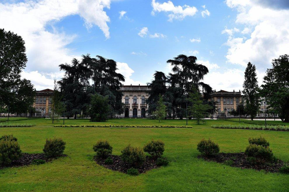 Politecnico, da parcheggio a giardino per gli studenti: rinasce piazza Leonardo da Vinci