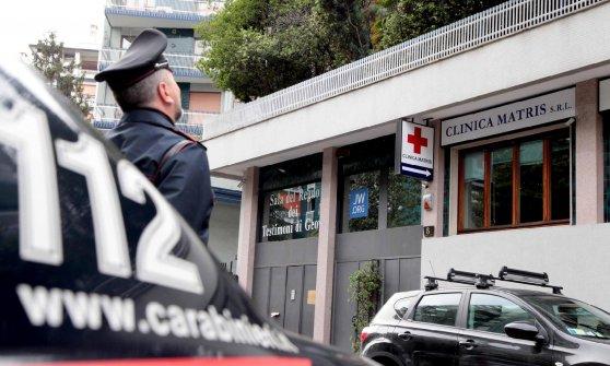 """""""Ovuli prelevati con la forza"""", Antinori lascia il carcere e torna ai domiciliari"""