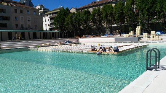 Milano la piscina caimi rinasce con una grande festa tra - Piscine milano nuoto libero ...