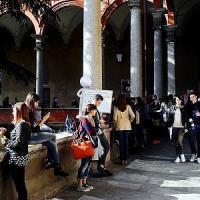 Milano, troppa pizza e zero pesce: gli errori più diffusi tra gli studenti
