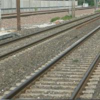 Tragedia sui binari a Legnano, due ragazzi di 17 e 23 anni travolti e uccisi dal treno