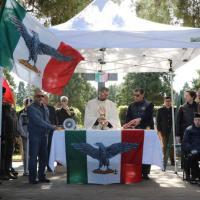 Elezioni Milano, cappellano della X Mas al gazebo della Lega: su Fb le foto della commemorazione fascista