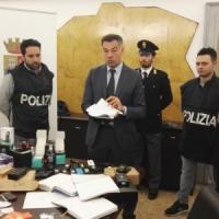 Spacciavano droga davanti alle scuole del Milanese, 6 arresti