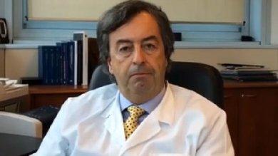 """RepTv- FbLive  Burioni, virologo social """"Ecco perché dovete vaccinare i vostri figli"""""""