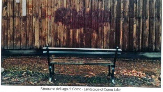 La battaglia a colpi di cartolina contro il muro del lago di Como