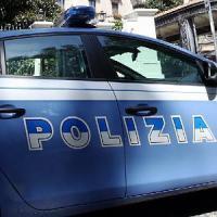 Milano, 19enne aggredito davanti alla scuola: in ospedale con ferite da arma da taglio