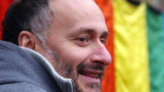 """Elezioni Milano, dietrofront di Facebook sul candidato Lgbt: riapre il profilo chiuso per """"omofobia"""""""