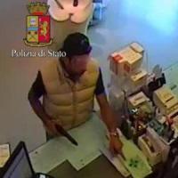 Milano, venti colpi in due mesi: preso rapinatore di farmacie, è un imprenditore in crisi