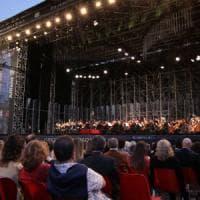 La Filarmonica della Scala in piazza Duomo: grande concerto gratuito con Martha Argerich