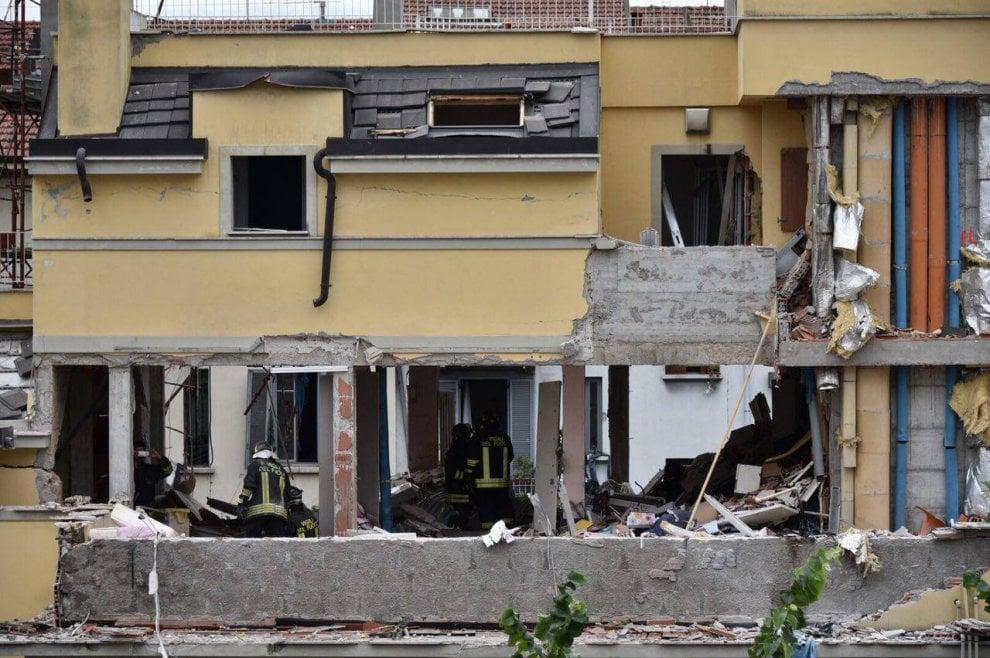 Milano, esplosione in via Brioschi: il palazzo sventrato