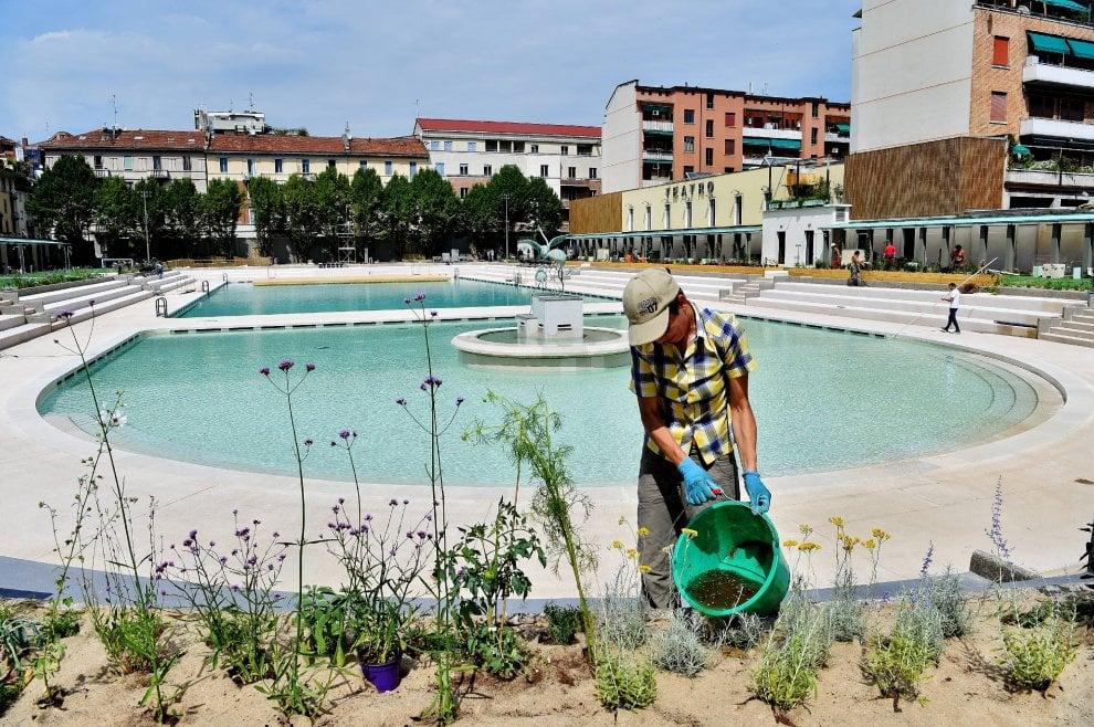 Milano ultimi ritocchi alla piscina caimi tra pochi - Piscine di milano ...