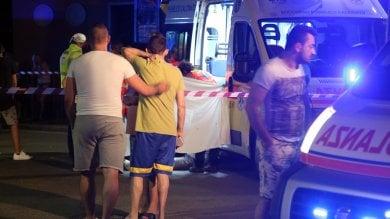 Brescia: gioca a pallone vicino ai binari 15enne morto sotto il treno, c'è l'inchiesta