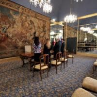 Milano, tenta di sposare 82enne: badante bloccata sull'altare e denunciata per c...