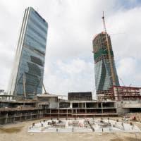 Milano, così nasce un grattacielo: Libeskind battezza il Curvo di Citylife