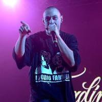 """Milano, """"la canzone offende Valerio Scanu"""": il rapper Fabri Fibra condannato per..."""